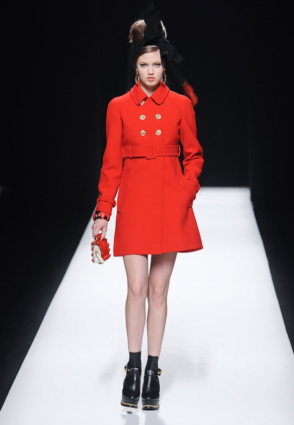moschino-red-coat
